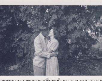 Couple in TENDER ROMANTIC KISS Photo 1955