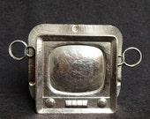 What's on telly tonight ? Chocolate factory vintage Television rescued chocolate making mold. Pastry chef and baker antique TV shaped supply