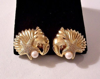 Pearls Shells Starfish Clip On or Pierced Post Stud Earrings Gold Tone Vintage Avon Large Sea Conch Clam White Round Bead