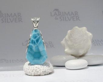 Larimarandsilver pendant, Atlantis Diamond, sea blue Larimar diamond, Caribbean blue diamond, cerulean, turtleback, handmade Larimar pendant