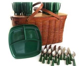 Jerywil Wov-N- Wood Picnic Basket Hamper w Plates Mugs Bakelite Utensils