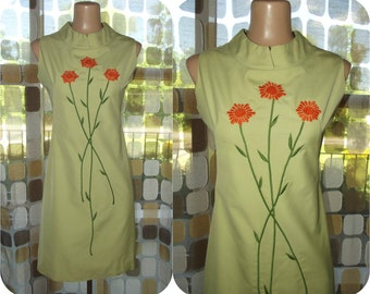 Vintage 60s Sage Green Dress | 1960s Sunflower Dress | Embroidered Mini Dress | Scooter Girl Shift Dress | Size M/L