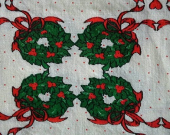 Green Wreaths with Red Ribbon Cotton Christmas Fabric 3 Yards X0494