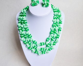 1950s Green plastic seashell charm 3 strand necklace & clip on earring set / 50s pastel costume jewellery