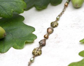 Acorn and Oak Leaf Bracelet, Acorn Charm, Fall Beaded Bracelet, Autumn Jewellery, Oak Leaf Art, Acorn Jewelry, Fall Leaves Bracelet Oak Tree