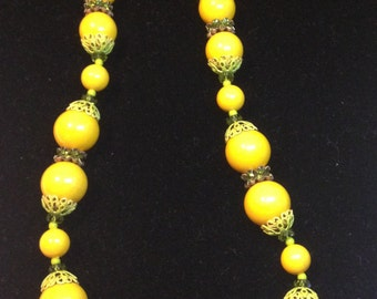 Yellow Bead Necklace  // Choker // by Vendome // Vintage