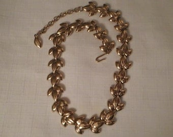 GOLD LEAF NECKLACE / Choker / Golden Leaves / Hollywood / Glamour / Retro / Mid-Century Modern / Couture / Trendy / Chic / Classic Accessory