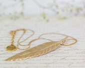 Gold Feather Necklace, Wedding jewelry, Bridal Jewelry, Wedding Necklace, Gold Feather Pendant , Feather Necklace, Charm Necklace