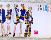Vintage 1960s sewing pattern Vogue 7529 Jacket Smock V neck Bell bottom pants Flare Bust 32.5 tunic skirt