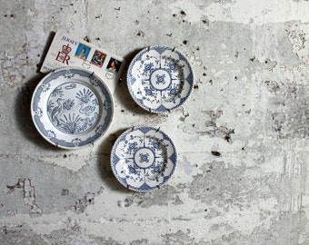 3 Vintage Blue and White Plates / Wallhangings