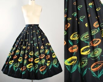 "Vintage 50s DEADSTOCK Novelty Print SKIRT / 1950s Painterly Atomic Floral Tulip Mid Century Black Cotton Pinup High Waist 26"" 27"" S Small"