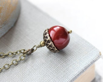 Red Pearl Acorn Necklace Cranberry Pearl Acorn Pendant Autumn Woodland Wedding Bridesmaids Gifts Christmas Jewelry Swarovski Pearl Necklace