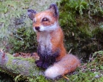 Needle Felted Fox, Miniature Fox, Fox Animal Totem, Animals Needle Felted, Foxes, Wool Felt Sculpture, Fox Figurine, Waldorf Fox Toy