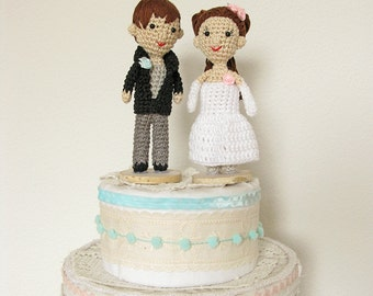 Wedding Cake Topper Figurine, Crochet Bride and Groom, Portrait Cake Topper, Personalized Wedding Doll