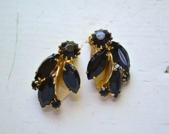 1950s Weiss Black Rhinestone Clip Earrings