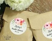24 Wedding Favor Bags with Personalized Floral Bouquet Labels // Wedding Favors // Bridal Shower Favors // Kraft Favor Bags