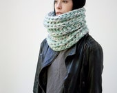 SOLDE /// The Warmer cowl (In Iceberg ) // Chunky cowl scarf snood