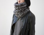 SOLDE /// The Warmer cowl (In Dark Grey) // Chunky cowl