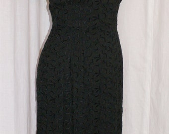 Vintage 1950s black embroidered hourglass wiggle dress Size XS rockabilly VLV