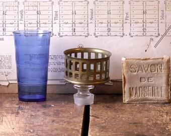 Vintage Brass Wall Mount Bathroom Cup Holder - Retro Restroom Decor