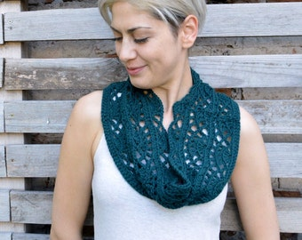 Crochet pattern All seasons loop scarf, women circle scarf, lace woman infinity scarf, women cape, Photo tutorial, Instant download