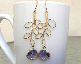 Gold Leaf Lavender Earrings. Lavender Jewelry. Purple Earrings. Bridesmaid Earrings. Bridesmaid Gift. Bridal Jewelry.Wedding Earrings.Lilac