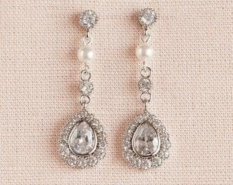 Vintage style Pearl Crystal Bridal Earrings, Swarovski Pearl wedding earrings Rhinestone  Bridesmaids Dainty Makayla Bridal Earrings