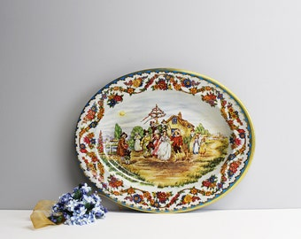 Elizabethan village themed oval tin platter  - Daher Decorated Ware - made in England - vintage decorative litho tin tray