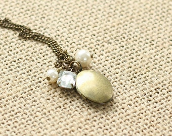 Oval Bridesmaid Locket - Flower girl locket - Bronze Locket -Rhinestone and Pearl Necklace -Wedding locket -Bridesmaid Gift -Vintage Wedding
