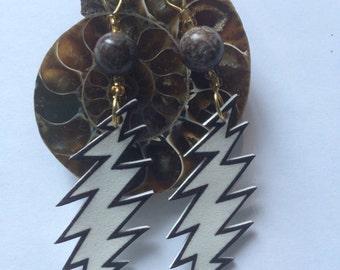 13 Point lightning bolt earrings dead and company / grateful dead inspired