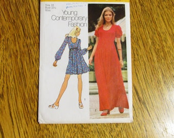 "1970s BOHO Empire Line Mini or Maxi Dress / Baby Doll Dress w/ Puff Sleeves - Size 10 (Bust 32.5"")- VINTAGE Sewing Pattern Simplicity 9764"