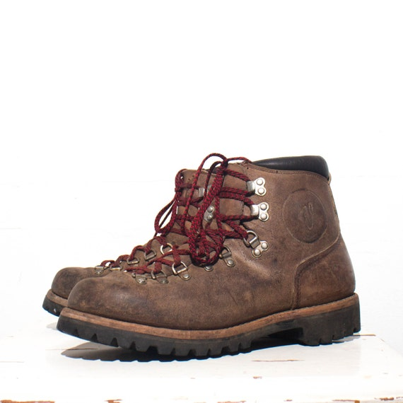 10 5 aa vintage vasque rough out mountaineering trail boots. Black Bedroom Furniture Sets. Home Design Ideas