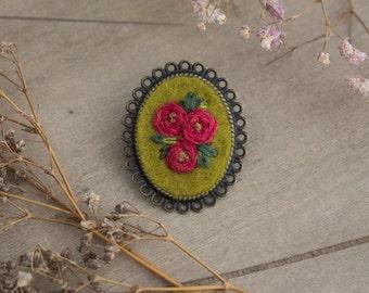 Red Roses Brooch - Floral Brooch - Antique Bronze Brooch - Brooch Pin - Flower Brooch - Hand Embroidered Brooch
