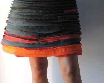 Skirt, red-green combination