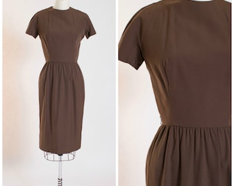 Vintage 1950s Dress • Old Fashioned • Brown Cotton 50s Vintage Sheath Dress by Lanz Size Small