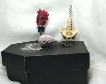 Anatomical Gift set of Wine Accessories