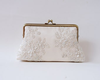 Ivory Clutch ( or Choose your color) / Bridal Purse / Bridemaid Clutch / Bridal Party clutch