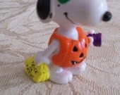 Snoopy Halloween Figure Trick or Treat PVC Figurine Peanuts Gang Vintage