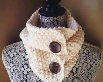 Bust my buttons - neck warmer