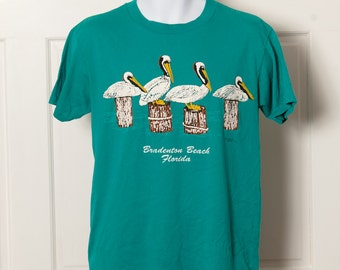 Vintage Pelican Tshirt - Bradenton Beach Florida - L