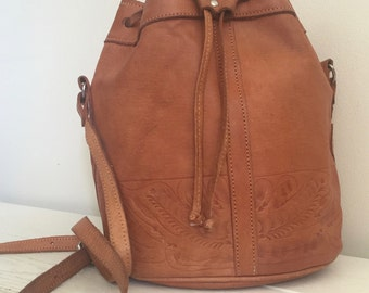 Hand Tooled Leather / Bucket Bag / 90s / Boho Hippie / Fall Fashion / Paraguay / Hippie Chic / Festival