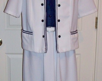 Vintage 1970s Ladies Navy & White Suit Size 14 Only 8 USD