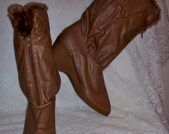 Vintage Ladies Tan Rain or Snow Boots Size 8 Only 8 USD
