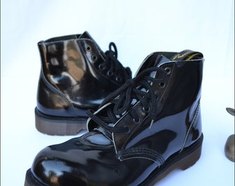 Vintage Black Doc Martens UK 7 Black Combat Boots Black Leather Patent Leather Military Combat Grunge Lace Up Indie Boots 90s deadstock
