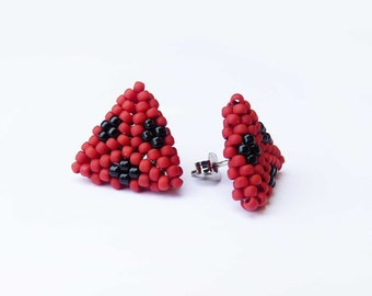 Triangle Studs - Geometric Beaded Jewellery - Ladybug red and black