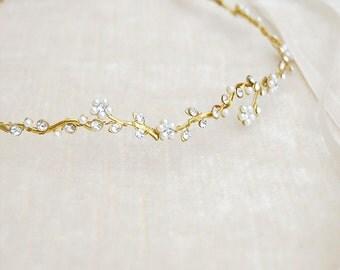 Wedding floral circlet, pearl flower hair crown, bridal hair jewelry, beaded forehead band, bride pearl hairpiece, head wreath - style 339