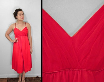 1950s Red Negligee Empire Waist Van RAALTE 32 Small Double Spaghetti Straps