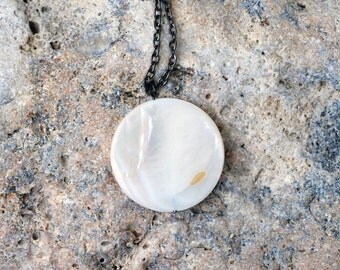 Mother-of-pearl Necklace, Circle Simple Necklace, Minimalist, White Pendant