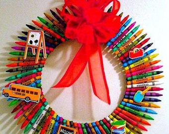 CRAYON Wreath, Teacher Wreath, Gift For Teachers, Decoration For Children's Room , Door/Wall Wreath