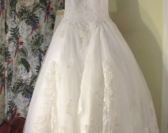 Vintage 90s white pearl encrusted long tulle wedding gown